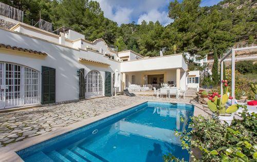double-villa-with-fantastic-seaviews_9.jpg