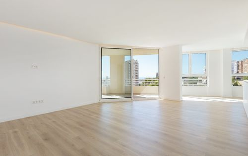 new-renovated-apartment-paseo-maritimo-MALLORCA.jpg