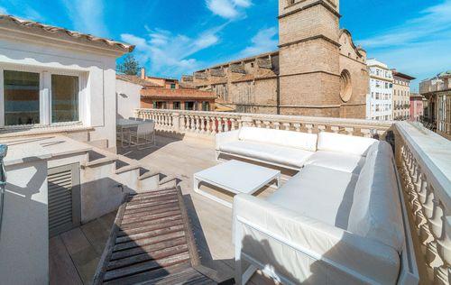 unique-apartment-in-old-town-palma-de-mallorca_3.jpg