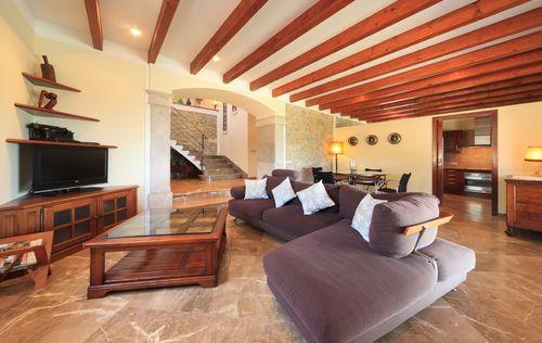 villa-stunning-seaviews-alcudia_2.jpg