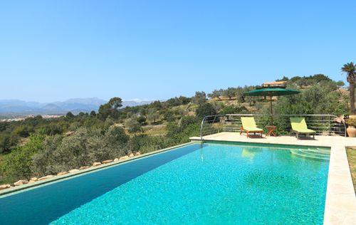 villa-stunning-seaviews-alcudia_3.jpg