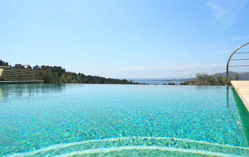 villa-stunning-seaviews-alcudia_5.jpg