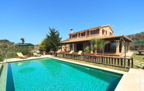 villa-stunning-seaviews-alcudia_6.jpg