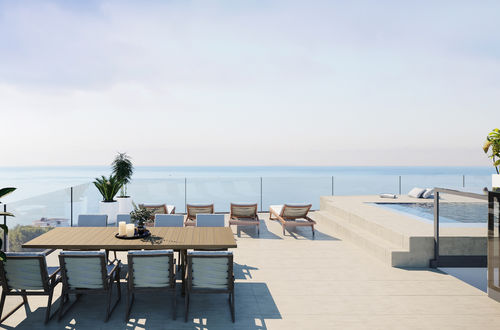 Penthouse mit privatem Pool und herrlichem Panorama-Meerblick