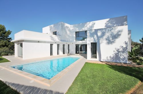 Minimalist newly built villa in demanded location with fantastic pool and lovely sun terraces