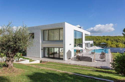 New modern family home situated in tropical garden