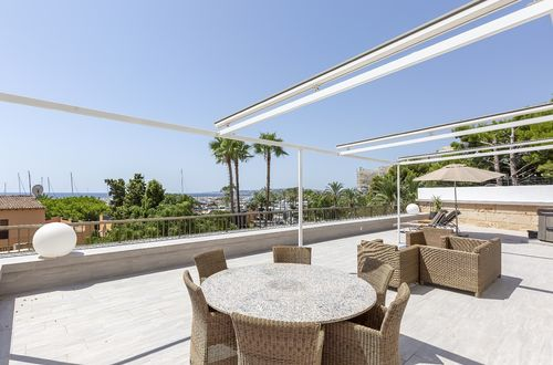 Renovated apartment with breathtaking sea views