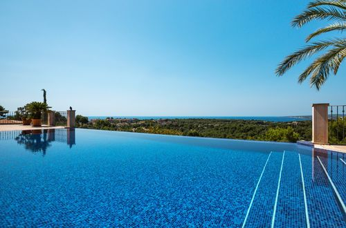 Exklusiv stilig villa med underbar havsutsikt