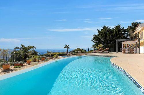Dazzling villa with panoramic sea views