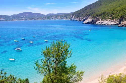 Drömlik Frontline-villa med direkt access till havet
