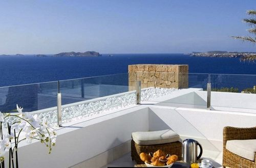 Elegant luxury villa frontline to the sea in one of the most beautiful bays of Ibiza