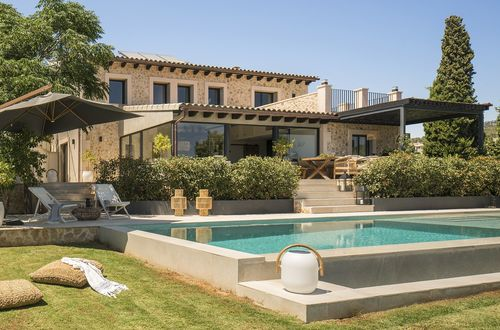 Rural life meets exclusive living comfort - fantastic natural stone finca