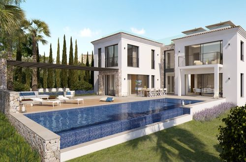 New construction - Modern villa with Mediterranean style elements and sea views