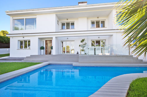 Superb modern villa with fantastic sea view roof terrace and magnificent pool area