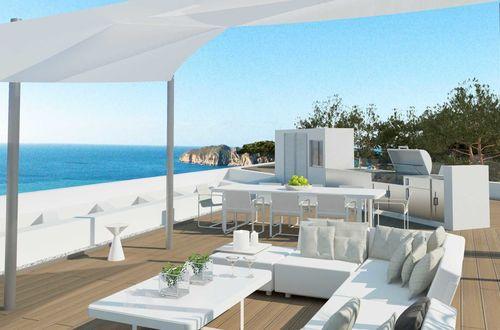 Magnifik byggprojekt för uppförandet av lyxvilla med havsutsikt