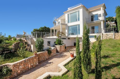 Newly built residence with stunning panoramic view over the Port Adriano and the open sea