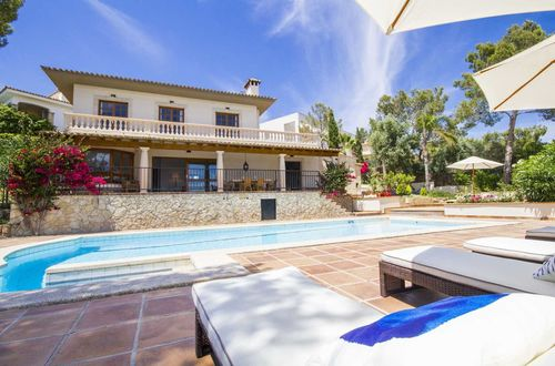 Charming sea view villa in sought after area