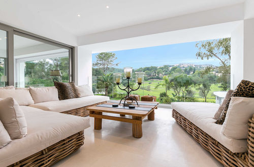 Excellent golf property frontline to the golf course of Son Vida