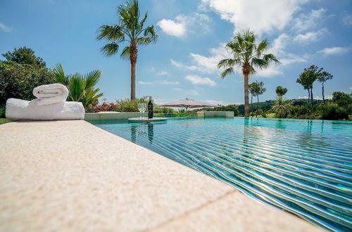 Bästa läget i mycket eftersökta Bendinat. Magnifik villa med havsutsikt