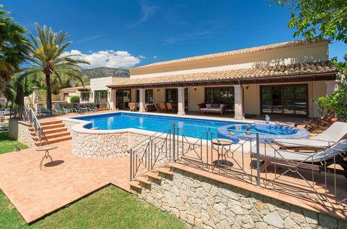 Magnifik villa i spansk stil i Palmanova