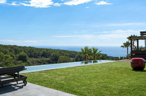 Astonishing modern sea view villa