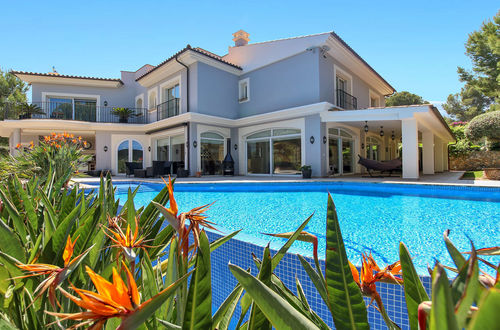 Tastefully equipped villa near the three golf courses