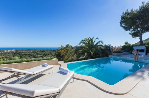 Luxurious villa with panoramic sea views and gorgeous outdoor area