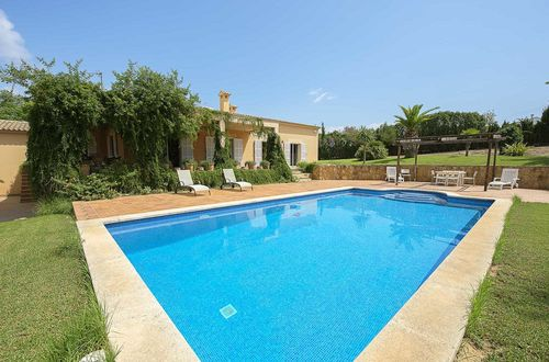 Private and idyllic family finca close to the city center of Palma