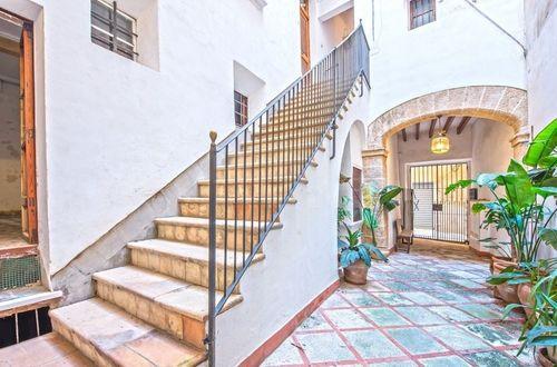 Traditional bright apartment in a prestigious area