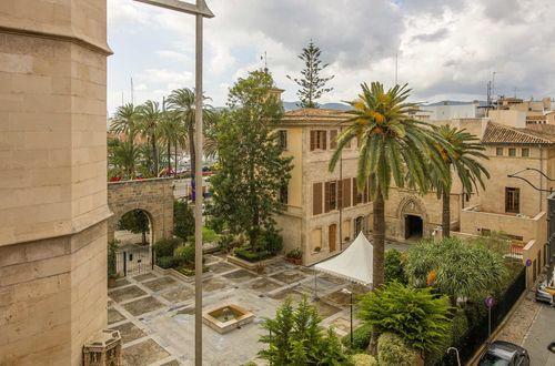 Bostadshus i stadsdelen La Lonja: fyra lägenheter och privat takterrass