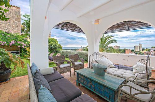 Stilfull villa med pool  och utsikt över havet i Bonanova