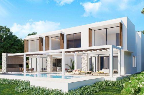 Newly built frontline villa