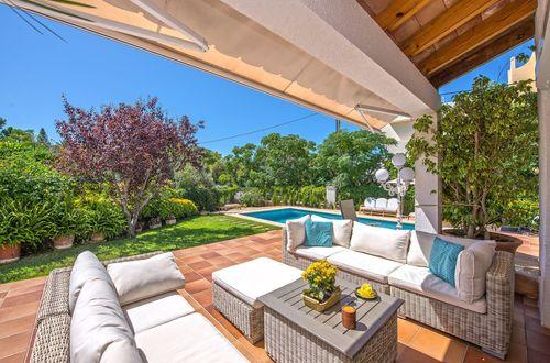 Komfortabel villa med havsutsikt i Cala Blava