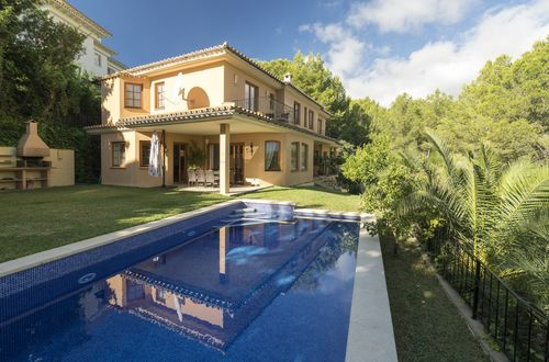 Exquisite villa in a desirable location of Bendinat