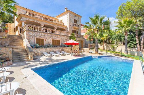 Magnificent natural stone villa very close to Palma