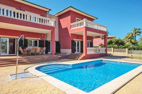 Underbar villa med havsutsikt och härlig pool