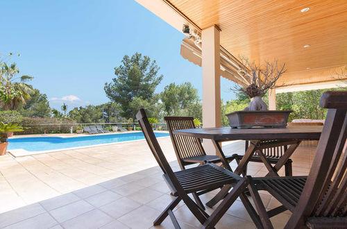 Modern villa i spansk stil i Palma Nova