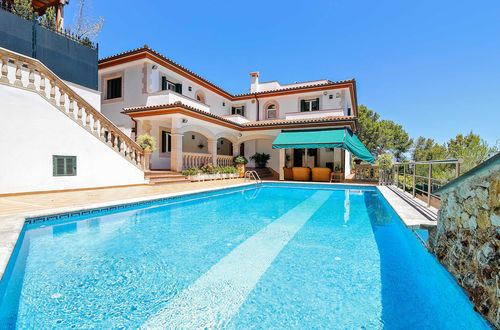 Villa with lots of privacy in a popular residential area of Cas Catala