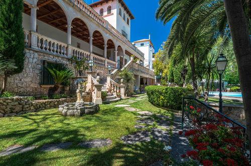 Sensational villa with an exquisite Mediterranean garden