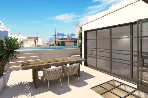Byggprojekt av duplex-penthouse med pool