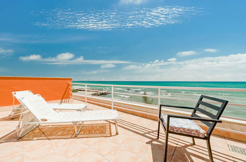 Frontline to the sea - beach house in perfect location!!