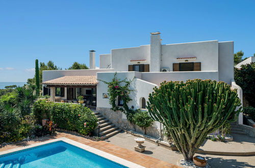 Lovely sea view villa in the Mediterranean Ibiza style