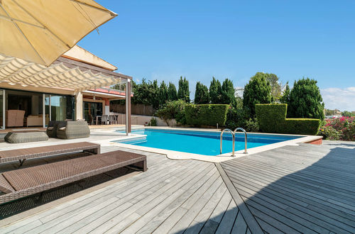 Beautiful villa with sea views near Palma`s center