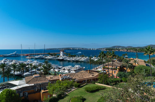 Frontline to the habour of Puerto Portals - large apartment with sea views and sunny terrace