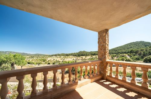 Wonderful natural stone finca in a quiet rural location