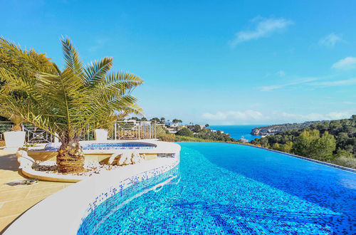 Fantastic frontline villa in top location with stunning views and direct sea access