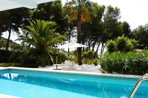 Fantastic sea view villa with large Mediterranean garden in a green zone