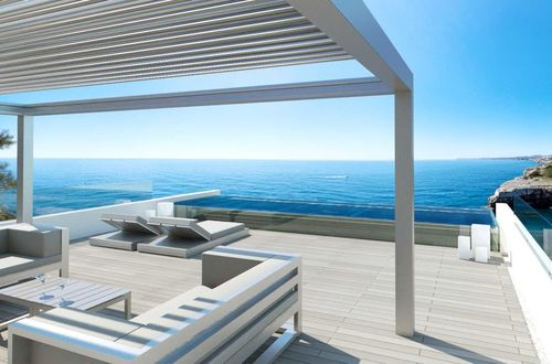 Construction of a first-class dream villa in the frontline