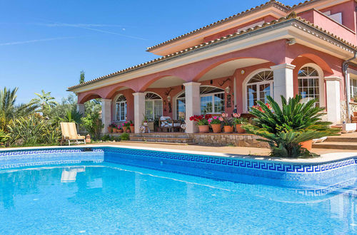 Sea view villa in exclusive and quiet location in Santa Ponsa