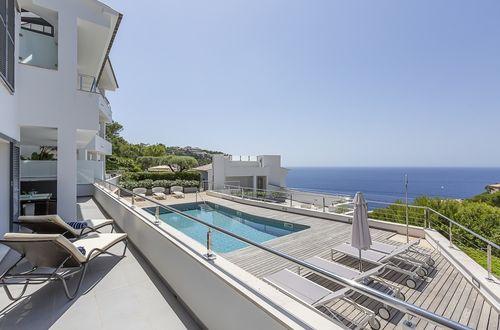 Modernes, hochwertiges Apartment mit spektakulärem Meerblick
